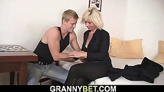 Mature blonde wench sucks cock