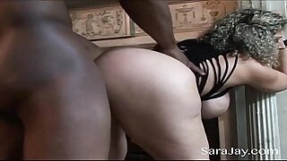 Casual Interracial Hard Sex Turns Out To Have Great Creampie