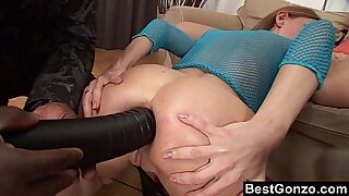 Solo girl creampied while ass hole is healed from the back sun